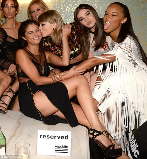 Selena Gomez enjoys some girl bonding with Taylor and her squad of high-profile celebs including Hailee Steinfeld